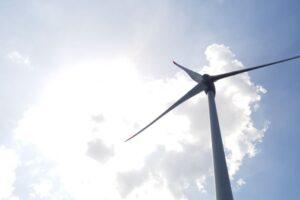 Groninger Belang in verzet tegen windmolens op de zeedijk bij Eems-Dollard